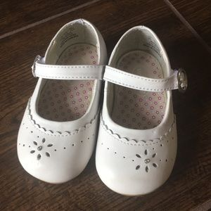 NWOT Stride Rite Size 4 White Mary Janes